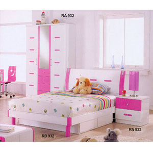 Childrens Bedroom Furniture: Youth Bedroom Set In Pink And White